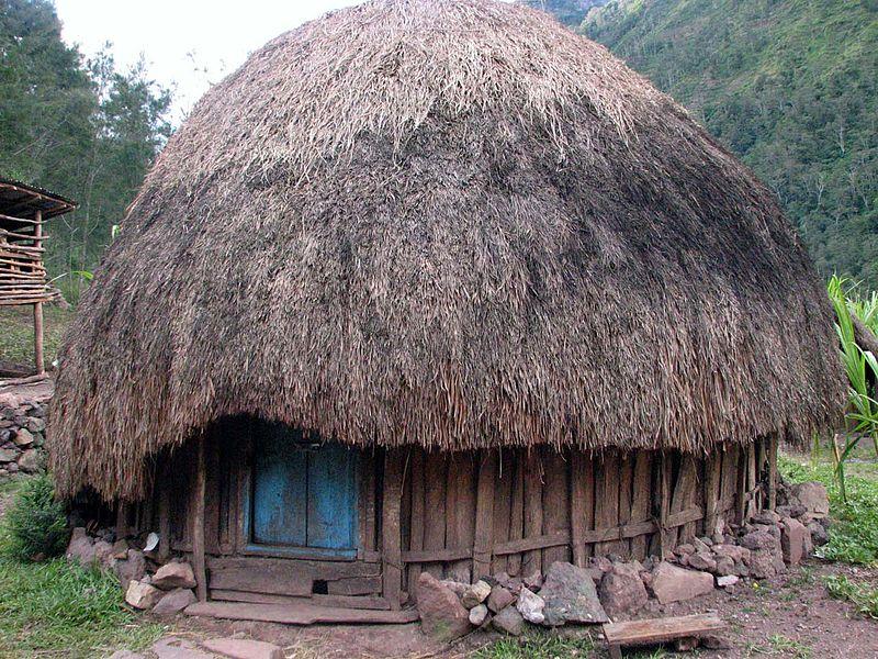 Rumah Adat Peninggalan Tradisional Indonesia